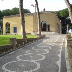 Entrance to the park and Casa del Jazz